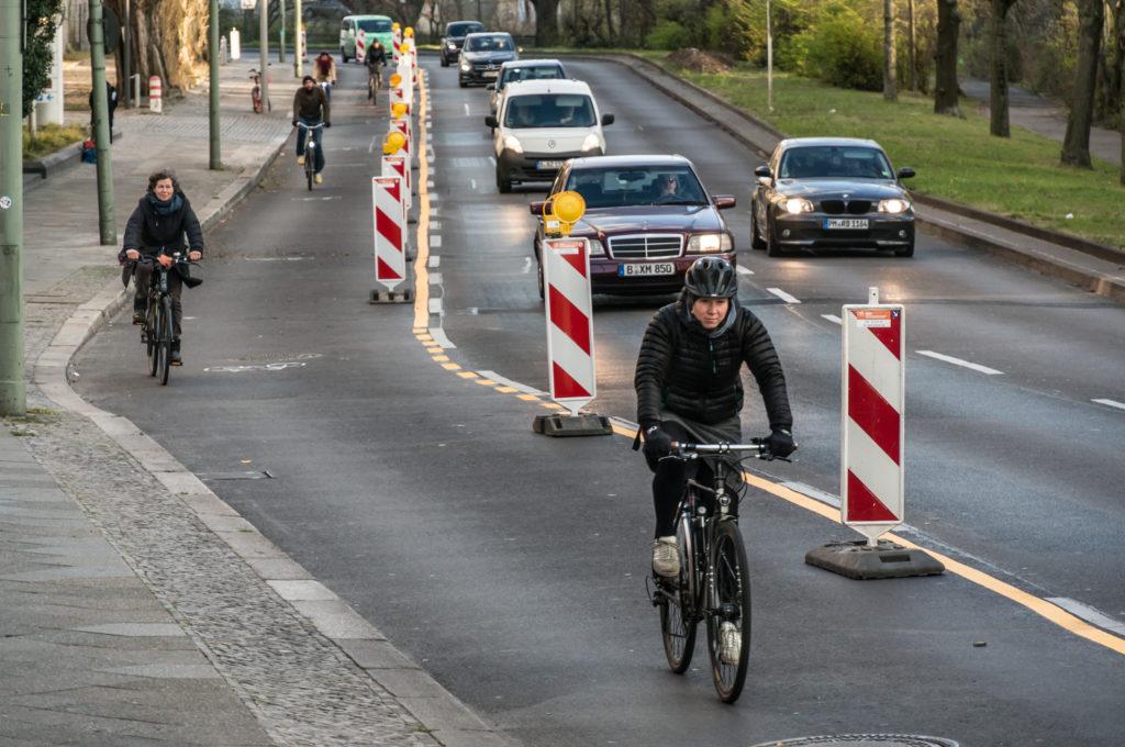Offener Brief: NRW-Radentscheide und Initiativen fordern landesweite Vorgaben zur schnellen, rechtssicheren Einrichtung coronasicherer Rad- und Gehwege
