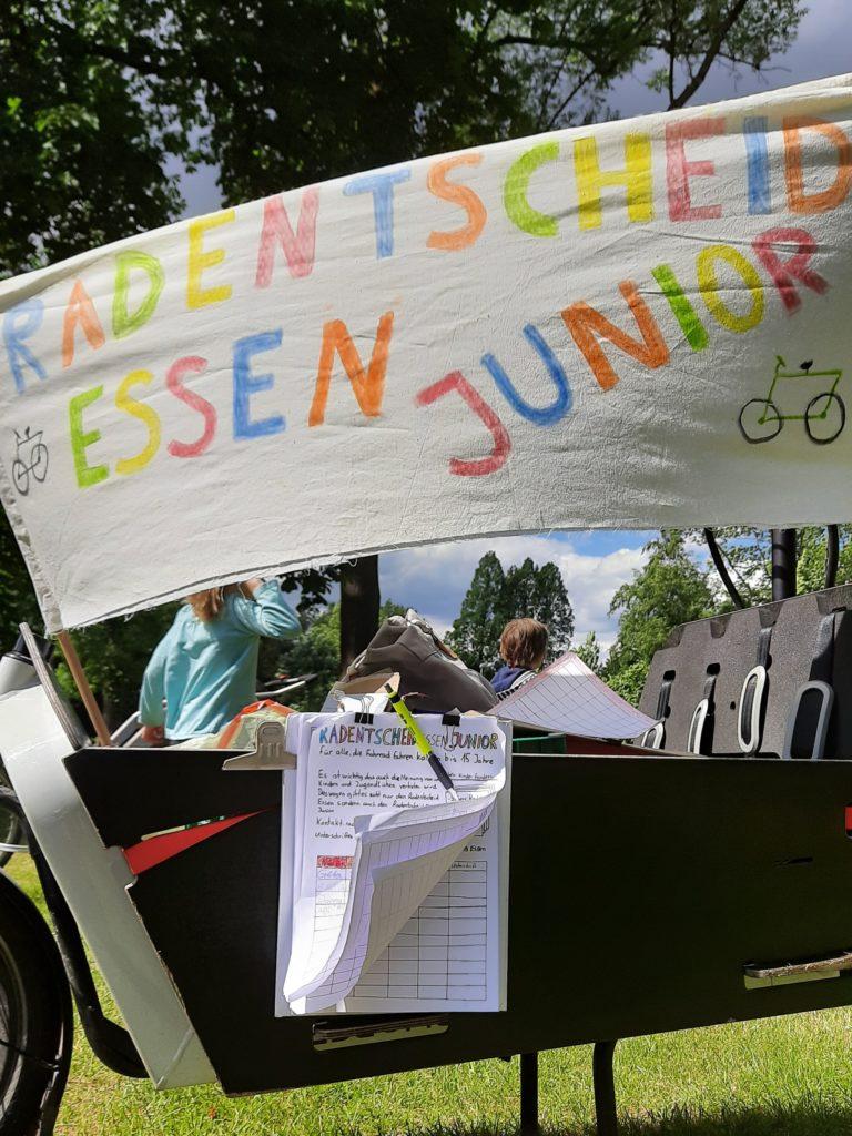 Pressemitteilung RadEntscheid Essen: RadEntscheid überreicht mehr als 20 000 Unterschriften