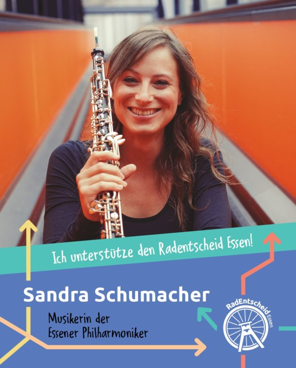 Sandra Schumacher, Musikerin bei den Essener Philharmonikern, unterstützt den RandEntscheid Essen (mit Klarinette)